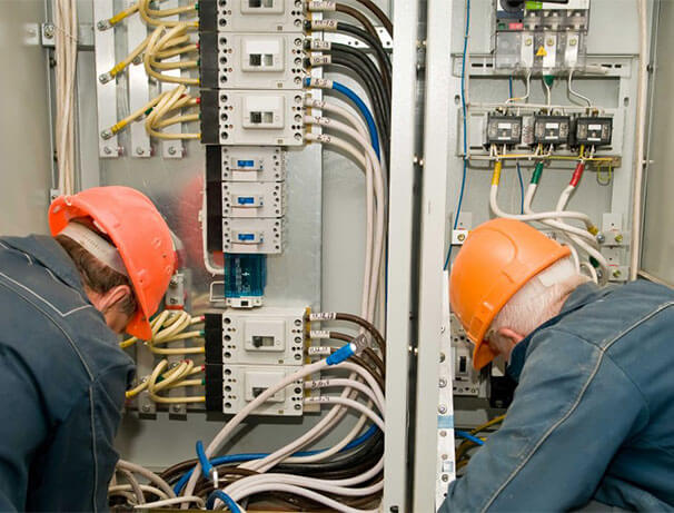 Commercial Electrician in Midlothian, Texas